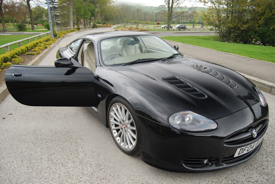 Captivating Jaguar XKR Xk8 Body Kit In Black.