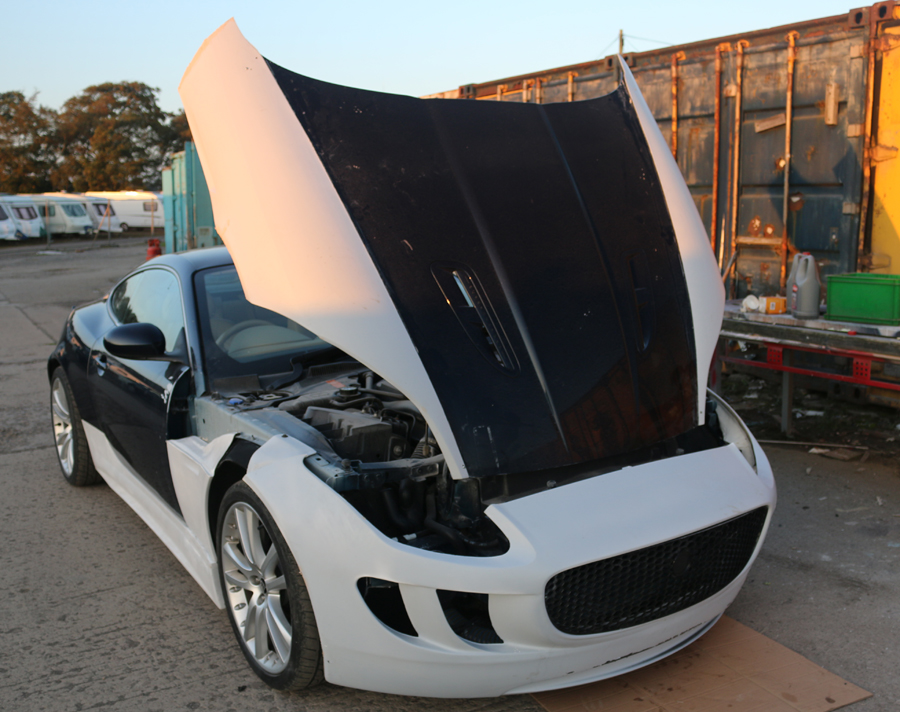 Jaguar XK Body Kit Fitting